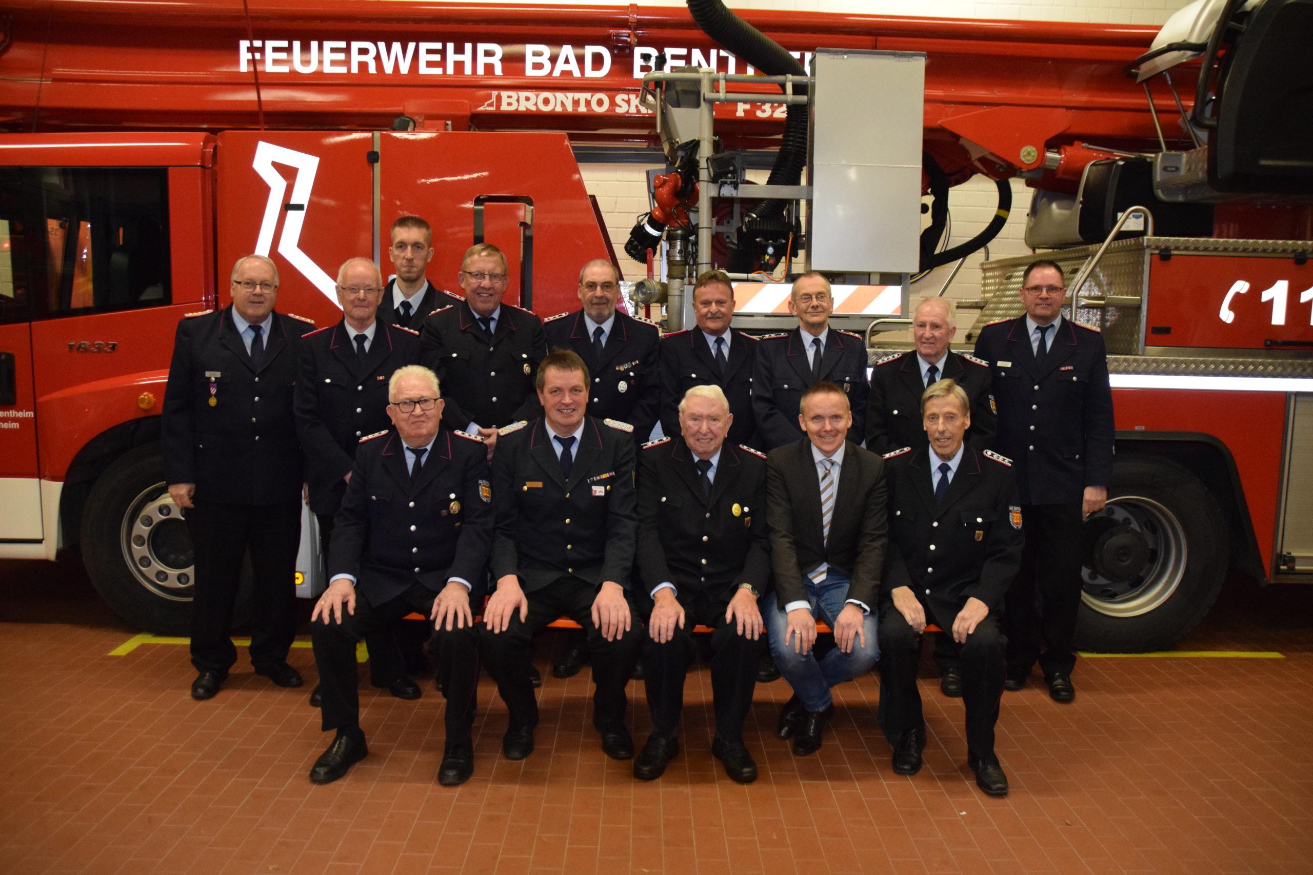 Ehrenzeichen für Helmuth Albach  für 75 – jährige Mitgliedschaft in der  Ortsfeuerwehr Bad Bentheim